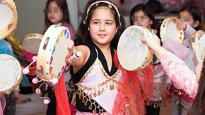 חגיגה של ריקודי בטן וזומבה
